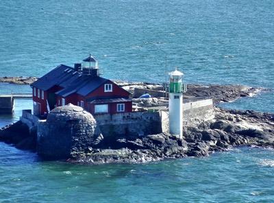 Leuchtturm mit Haus