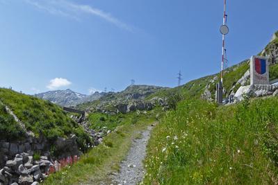 Zu Fuss über den Gotthardpass