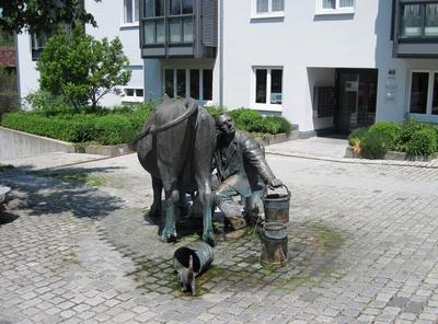 Steuerzahler-Brunnen in Isny - von hinten betrachtet
