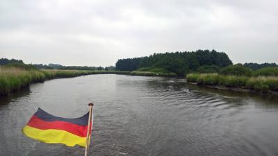 Mit dem Boot auf der Soeste bei Barßel