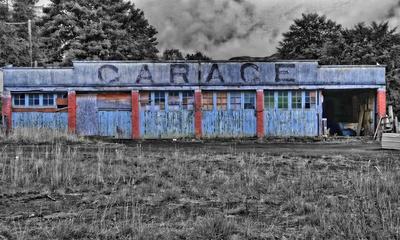 Verlassene Garage in Schottland (bearbeitet)