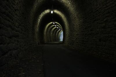 Düsterer Tunnel