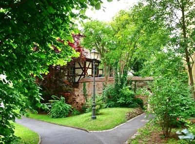 idyllisches Gartenhaus