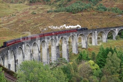 Glenfinnan-Viadukt in den West Highlands 02