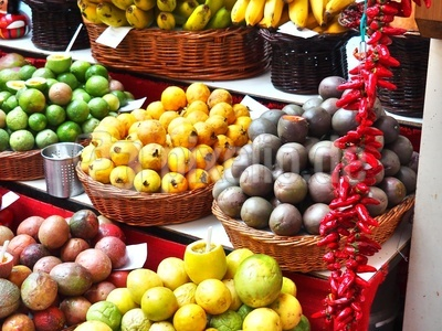 Obst und Gewürze