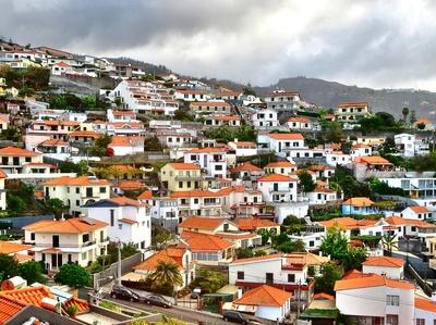 die Dächer von Funchal