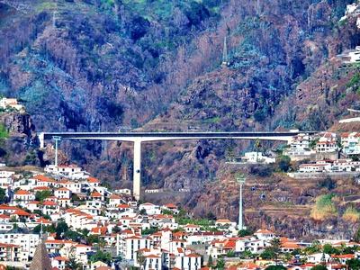Talbrücke in Funchal
