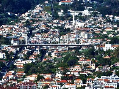 grosse Hängebrücke über Funchal