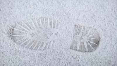 Schuhabdruck im Schnee