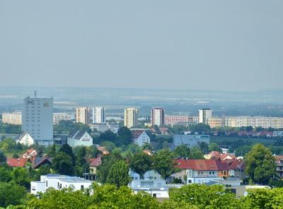 Hochhäuser und Plattenbauten