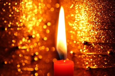 Glitzerndes Kerzenlicht II