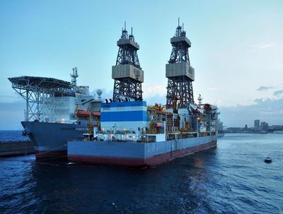 Ölbohrschiffe