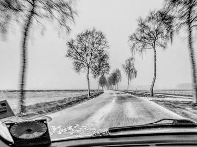 im schneegestöber unterwegs