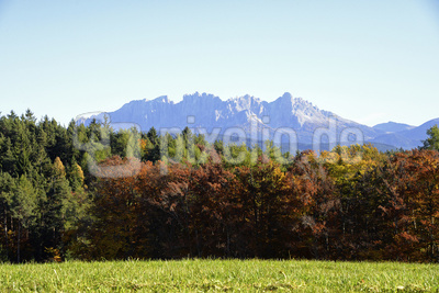 Latemar. Ein Bergmassiv in den Südtiroler Dolomiten.