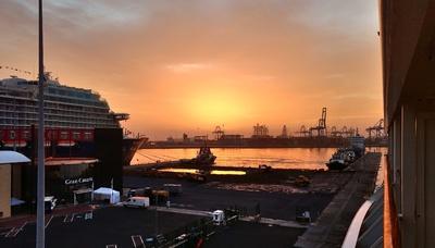 frühmorgens im Hafen