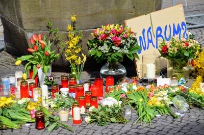 Warum-Schild nach der Amokfahrt in Münster, 7. April 2018