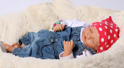 Schlafende Babypuppe