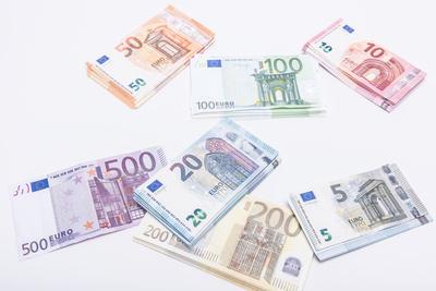stapel voll Geld