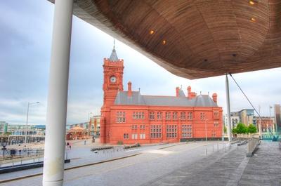 Cardiff - Pierhead Building - Blick vom Senned