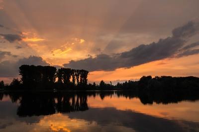 Still ruht der See im Abendlicht