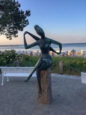 Kunstwerk an der Ostsee