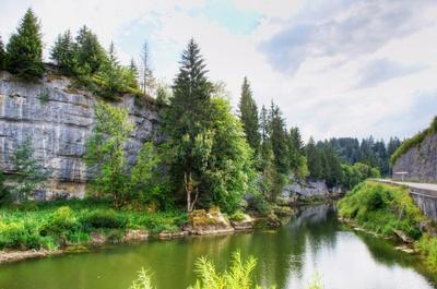 Schlucht des Doubs bei La Grotte