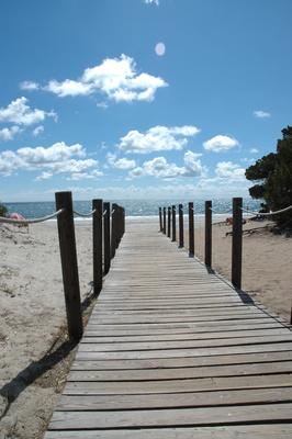 Geradewegs zum Strand von Biderosa