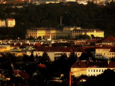 Schloss Schönbrunn im letzten Sonnenlicht