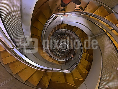 Wendeltreppe im Burgturm zu Stargat