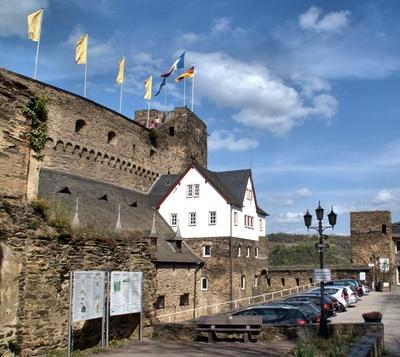 Der Burghof auf Burg Rheinfels