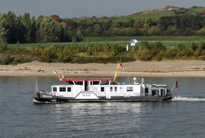 Peilschiff zur Kontrolle des Niedrigwassers
