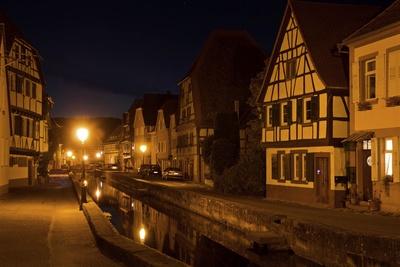 Altstadtflair bei Nacht