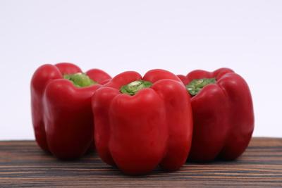 Paprika auf Holz