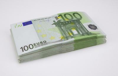 100-Euro-Scheine gestapelt, Geldscheine, Geldstapel