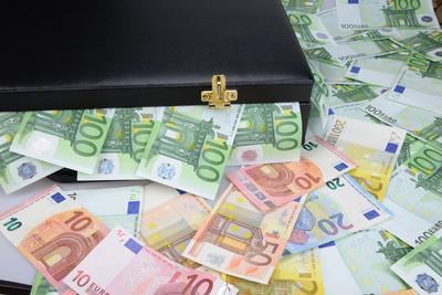 Geldkoffer, Geldscheine