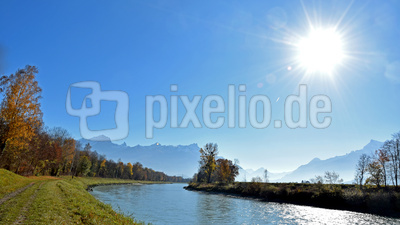 Herbstmorgen im Rhonetal