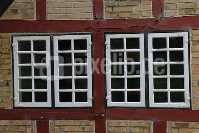 Alte Fensterfront