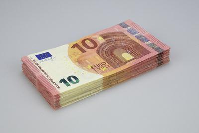10-Euro-Scheine gestapelt, Geldscheine, Geldstapel