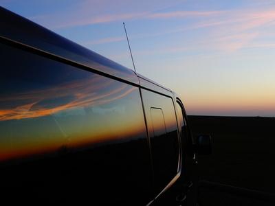Abendrot Spiegelung an Auto