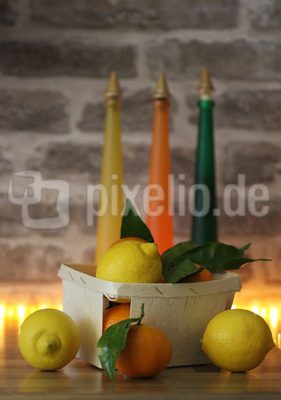Zitrusfrüchte mit Licht