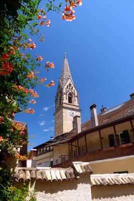 Kirchturm Pfarrkirche zu Tramin (Südtirol)