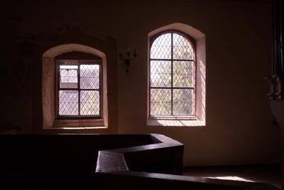 Kirchenfenster im Licht