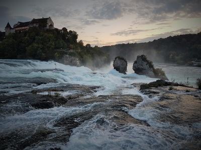 Wasserfall im Abendlicht