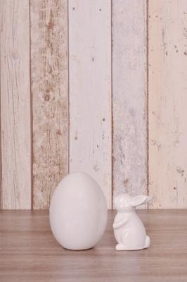 Osterei und Osterhase aus Porzellan