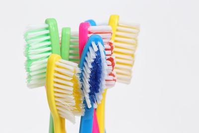 Bunte Zahnbürsten