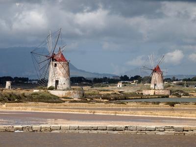 Windmühlen zwischen Trapani und Marsala / Sizilien
