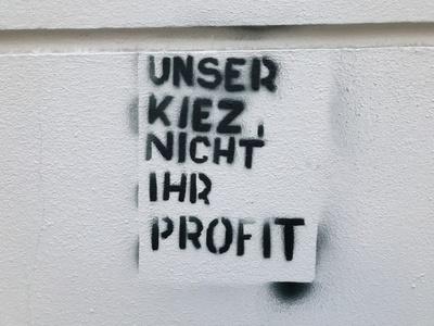 Graffiti gegen Gentrifizierung und Mietenwahnsinn