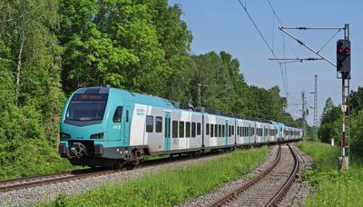 Eurobahn-Regionaltriebzug . . . .