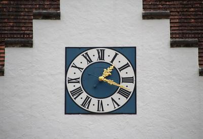 Uhr am Haus des Gastes Beilngries