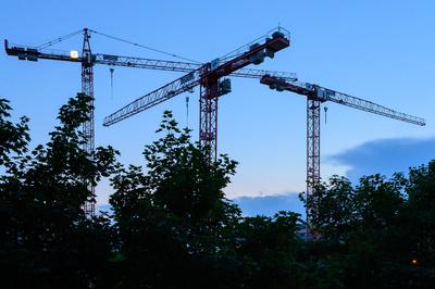 Abends über der Baustelle